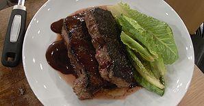 steak vom roastbeef an romanasalat rezept mit video. Black Bedroom Furniture Sets. Home Design Ideas